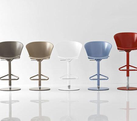 Chairs / Bar Stools